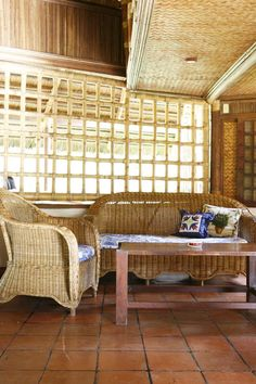 An Old Fashioned Pinoy Bahay Kubo In Palawan Tropical House Design, Tropical Houses, Dirty Kitchen, Bahay Kubo, Temporary Structures, Rest House, Wooden Posts, Huge Windows, Sleeping Loft