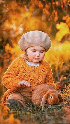 Beautiful Children, Beautiful Babies, Animals Beautiful, Bird Pictures, Animal Pictures, Cute Pictures, Little Girl Photography, Children Photography, Animals For Kids