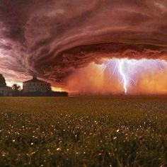 I wouldn't want to see a storm like that heading for MY house!