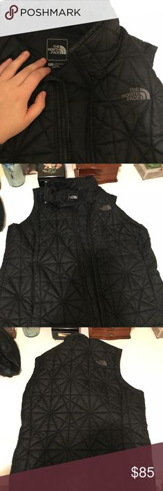 Northface women's vest Worn ONCE!!! Perfect condition, is as pictured. Size XL North Face Jackets & Coats Vests