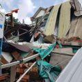 Xe tải tông sập nhà dân nhưng không chịu đền bù