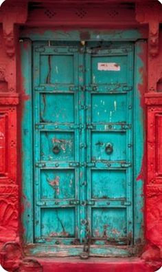 Indian Architecture, Architecture Details, Ancient Architecture, Wooden Door Hangers, Wooden Doors, Entrance Doors, Doorway, Old Doors, Windows And Doors