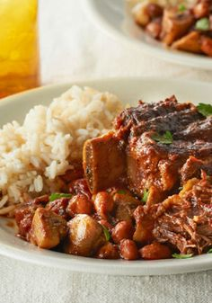 Speedy Short Ribs – These short ribs are ready in no time thanks to their stint in a pressure cooker. You can be enjoying their savory flavor on your dinner table tonight!