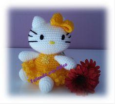 Hello Kitty Amigurumi - Patrón Gratis en Español aquí: http://tejiendoconchico.blogspot.com/2014/03/hello-kitty-6.html