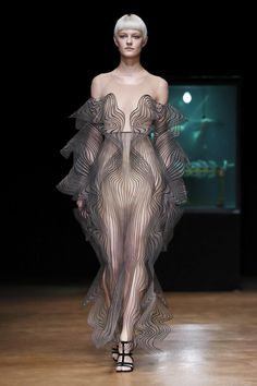 Iris Van Herpen Fall Winter 2017 Couture Fashion Show Paris