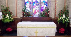 St Giles, Ludford, Christmas 2012 - the sanctuary.