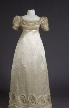 Silk wedding dress - 1823