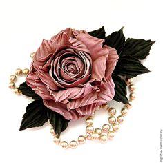 Купить Брошь из натуральной кожи и замши Роза Ностальжи, розовая - украшения из кожи, брошь из кожи