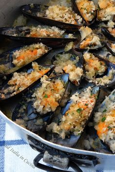 Cozze Gratinate - http://blog.giallozafferano.it/suditaliaincucina/cozze-gratinate/