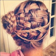 Trendy Haircuts: 12 Pretty Updo Hairstyles for Girls