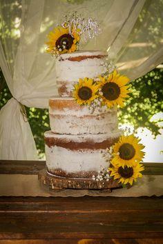 Naked cake sunflower babybreath country wedding