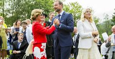 NEWMYROYALS & HOLLYWOOD FASHION: Royal Family of Norway attend a Garden Party in Bergen