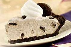 OREO Pudding Pie Recipe - I MADE MY OWN OREO CRUST AND ADDED CHOPPED OREOS TO THE PIE.  EASY AND TASTY!