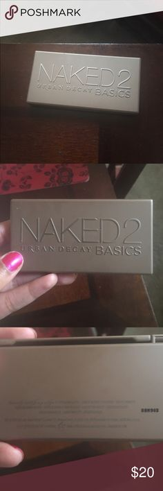 URBAN DECAY 💜 Naked2 Basics 💜 A gorgeous little palette from UD with a selection of cooler mattes. Never before used! I forgot I'd even purchased it and I typically prefer warmer tones, so make it yours and put it to good use! 💜 Urban Decay Makeup Eyeshadow