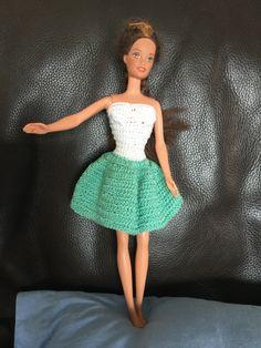 Crochet Barbie Clothes, Crochet Dolls, Barbie Dress, Dress Up, Barbie Doll, Accessoires Barbie, Doll Clothes Patterns, Fashion Dolls, Free Crochet