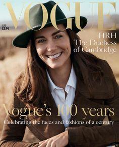 Scegliere a chi affidare la copertina che celebra il centesimo anno di vita non è un'impresa facile, ma Vogue Uk non soltanto ci è riuscito, ma ha pure centrato in pieno l'obiettivo: a sorridere dalla copertina del numero di giugno della celebre rivista di moda c'è nientemeno che Kate Middleton, mozzafiato