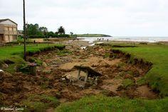 Playa de Bañugues, Asturias, daños temporal río
