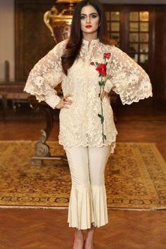My Favorite Women Fashion Styles Pakistani Fashion Casual, Pakistani Wedding Outfits, Pakistani Dress Design, Pakistani Dresses, Indian Fashion, Stylish Dress Designs, Stylish Dresses, Casual Dresses, Indian Designer Outfits