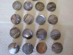 16 Stück Perlmutt-Knöpfe mit Öse,Bunt,Durchmesser ca.17 mm,Neu,Naturprodukt,Lübecker Knopfmanufaktur von Knopfshop auf Etsy