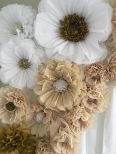 Giant tissue paper flower backdrop, gorgeous for weddings, Quinceaneras and bridal showers. Giant tissue paper flower backdrop gorgeous for weddings Giant Paper Flowers, Large Flowers, Gold Flowers, Diy Flowers, Fabric Flowers, White Flowers, Tulle Flowers, Tissue Paper Flowers, Paper Flower Wall