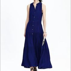 Banana Republic tiered sleeveless maxi sz 6 blue Brand new with tags! Banana Republic tiered sleeveless maxi dress in stowaway blue. Size 6. New this season - still on their website for sale at $148 Banana Republic Dresses Maxi