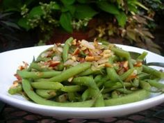 Green Beans with Onion and Almonds