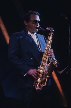 Stan Getz - Théâtre St-Denis (photo: Robert Etchevery), le 8 juillet 1983. Music Stuff, My Music, Portrait Ideas, Portraits, Sax Man, Stan Getz, St Denis, Saxophones, Duke Ellington