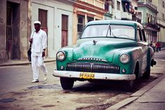 Due to the embargo on Cuba that started in the and the low value of the Cuban Peso many locals still drive the beautiful now vintage cars that were imported during that time. Famous Cubans, Cuban Cars, Weird Cars, Crazy Cars, Going To Cuba, Nostalgia, Cuba Travel, Havana Cuba, Vintage Cars