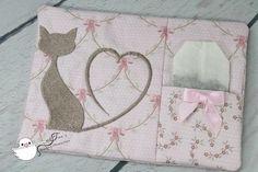 Eine Katze mit einem Schwanz in Herzform - Stickdatei via Makerist.de