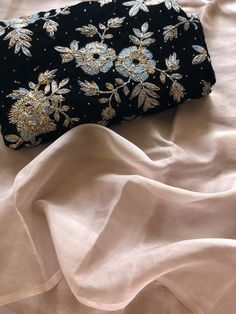 Organza saree with designer blouse Embroidery Suits, Embroidery Saree, Pakistani Fashion Party Wear, Simple Sarees, Organza Saree, Lehenga Blouse, Elegant Saree, Half Saree, Saree Blouse Designs