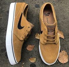 Sneakers Fashion, Fashion Shoes, Shoes Sneakers, Mens Fashion, Nike Sb Shoes, Skate Shoes, Tenis Casual, Casual Shoes, Tenis Vans