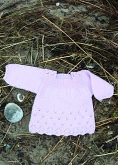 Tunika med sødt hulmønster til lille pigen - gratis PDF opskrift Knitting For Kids, Baby Knitting Patterns, Crochet For Kids, Crochet Baby, Knit Crochet, Crochet Pattern, Reborn Dolls, Reborn Babies, Baby Girl Cardigans