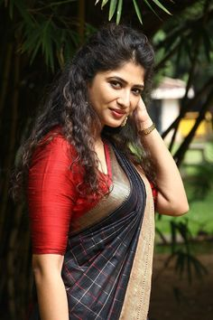 Beautiful Girl Indian, Beautiful Girl Image, Most Beautiful Indian Actress, Beautiful Bollywood Actress, Beautiful Actresses, Long Indian Hair, South Indian Actress Hot, Saree Photoshoot, Indian Beauty Saree
