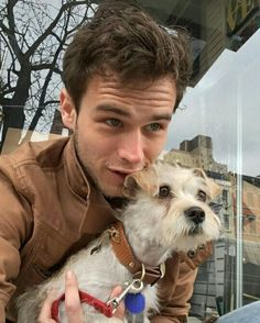 Because after seeing him in 13 reasons why, I have totally started adoring him aff now. New crush! Disney Instagram, Instagram Girls, Tumblr Boys, Brandon Flynn 13 Reasons Why, Justin Foley, Thirteen Reasons Why, Dora, Gaspard, Morris