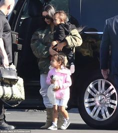 Welcome to Oghenemaga Otewu's Blog: The Kardashians jet out to Costa Rica for their an...