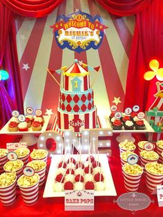 Carnival Theme Birthday Party Ideas Such a cute Carnival Birthday cake! See more party ideas at Catc Carnival Birthday Cakes, Circus Carnival Party, Circus Theme Party, Circus Wedding, Carnival Parties, Carnival Costumes, Circus 1st Birthdays, 6th Birthday Parties, Themed Parties