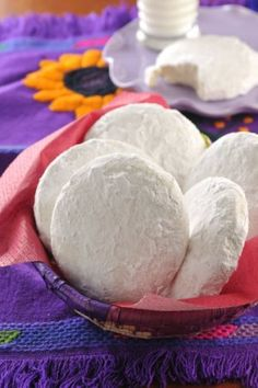 maybe add orange or lime flavor? Mexican Sweet Breads, Mexican Food Recipes, Cookie Recipes, Dessert Recipes, Yummy Cookies, Cupcake Cookies, Cupcakes, All You Need Is, Mexican Bakery