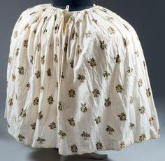 Jupe en coton imprimé, Jouy, vers 1790. Jupon monté à plis plats sur coulisse de…