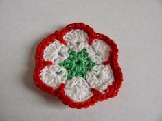 KreatívKatka: Horgolt kokárdák Crochet, Floral, Flowers, Blog, Crafts, Manualidades, Ganchillo, Blogging, Handmade Crafts
