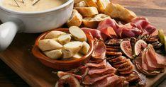 "This is ""LMZ Jonathan Garnier - - Fondue au fromage à la bière"" by Zeste on Vimeo, the home for high quality videos and the people who… Charcuterie, Fondue Raclette, Confort Food, Shabu Shabu, Cupcakes, Dessert, Vinaigrette, Stuffed Mushrooms, Pork"