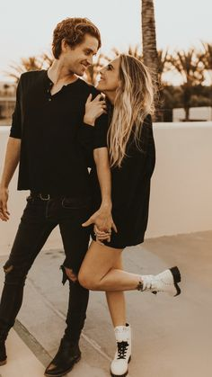 Cute Poses For Couples, Couple Photo Poses, Couple Photoshoot Ideas, Best Photo Poses, Pic Pose, Couple Pics, Cute Couple Pictures, Couple Portraits, Couple Posing