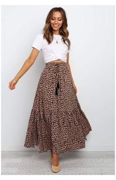 Long Skirt Outfits For Summer, Maxi Skirt Outfits, Spring Outfits, Dress Skirt, Maxi Skirt Outfit Summer, Long Skirts For Women, Leopard Skirt Outfit, Long Denim Skirt Outfit, Casual Jeans Outfit Summer