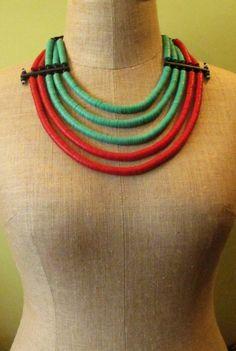 http://www.etnobazar.pl/shop/Moringa-art/products/nowosc-naszyjnik-etniczny-z-koralikow-kofi-czerwono-zielony-4