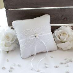 Ringkissen weiße Rosen