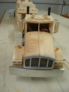 Frontal view of Peterbuilt truck