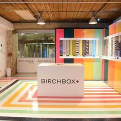 Pop Up Shop Design / Retail Design / Semi Permanent Retail Fixtures / VM / Retail DisplayPop Up Birchbox