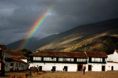 Arco íris, rainbow, Villa de Leyva, Colombia by Feedback Producción Visual.