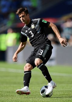 Nicolas Tagliafico of Argentina controls the ball during the 2018 FIFA World Cup Russia group D match between Argentina and Iceland at Spartak Stadium on June 2018 in Moscow, Russia. - 138 of 498 Messi Photos, World Cup Russia 2018, National Football Teams, Best Online Casino, Fifa World Cup, Lionel Messi, Fc Barcelona, Football Players, Soccer