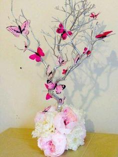 Small Manzanita Blooming Butterflies Table Wedding Centerpiece by… Butterfly Birthday Party, Butterfly Baby Shower, Butterfly Wedding, Butterfly Centerpieces, Party Centerpieces, Butterfly Table Decorations, Centrepieces, Rama Seca, Decoration Evenementielle