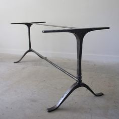 wishbone-table-base
